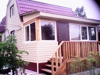 Постройка деревянного дома с бруса, из кирпича, шлакоблока или сборка щитововых.